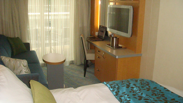 A stateroom on Oasis of the Seas