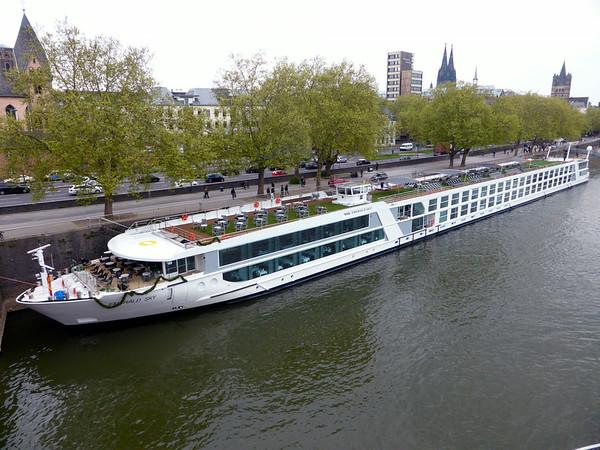 Emerald Sky River Ship 2014
